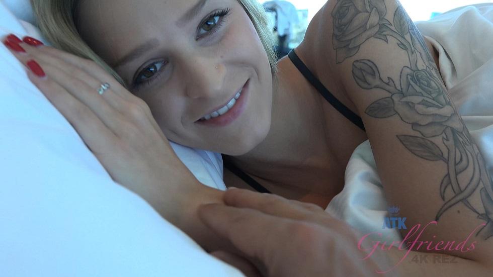 [ATKGirlfriends.com] Virtual Vacation Las Vegas 3/3 - Emma Hix in 4K Ultra HD