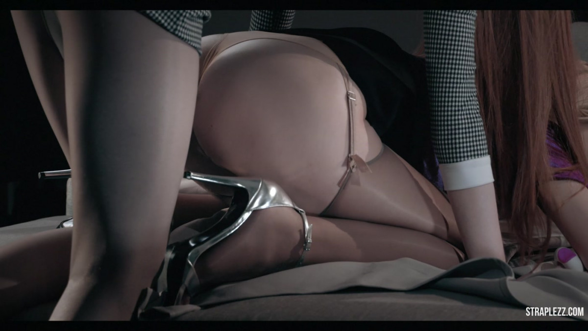 Huge Inflatable Dildo Ass