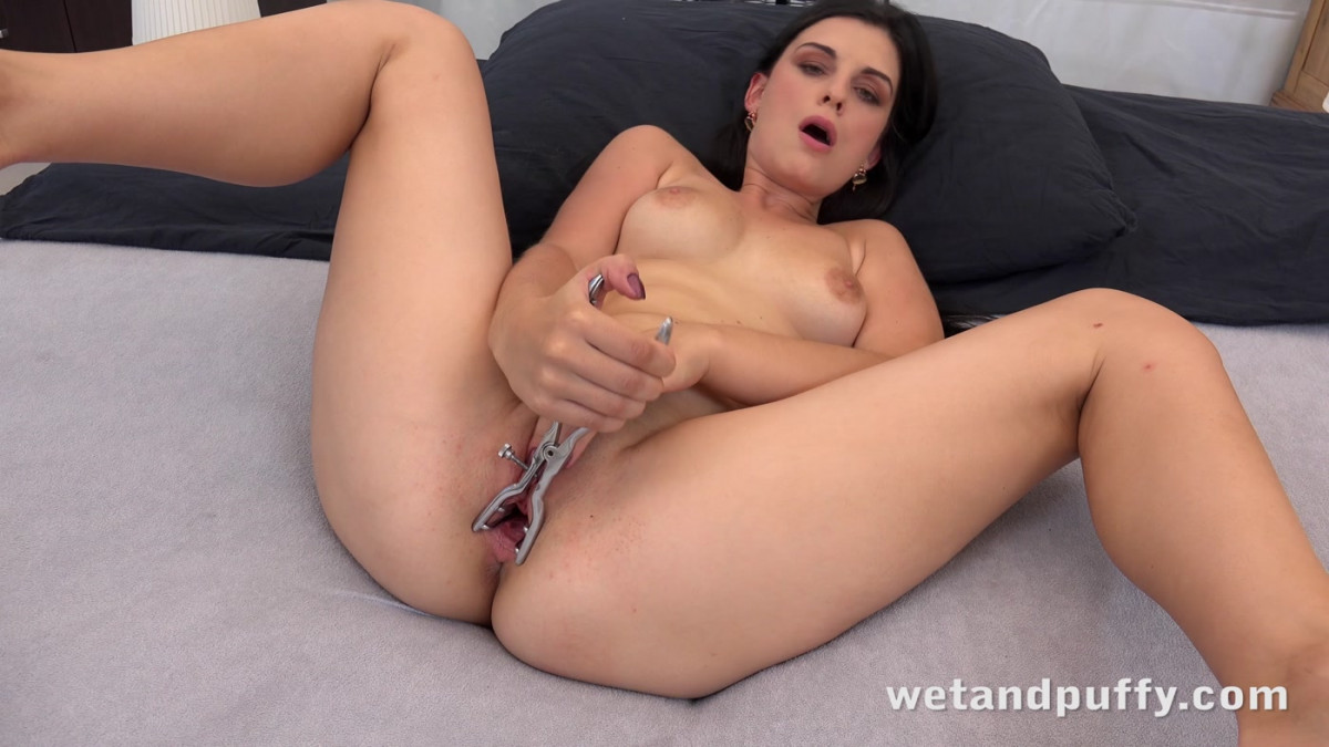 [Wet And Puffy] Big Black Dildo Play 4K UltraHD (2160p)