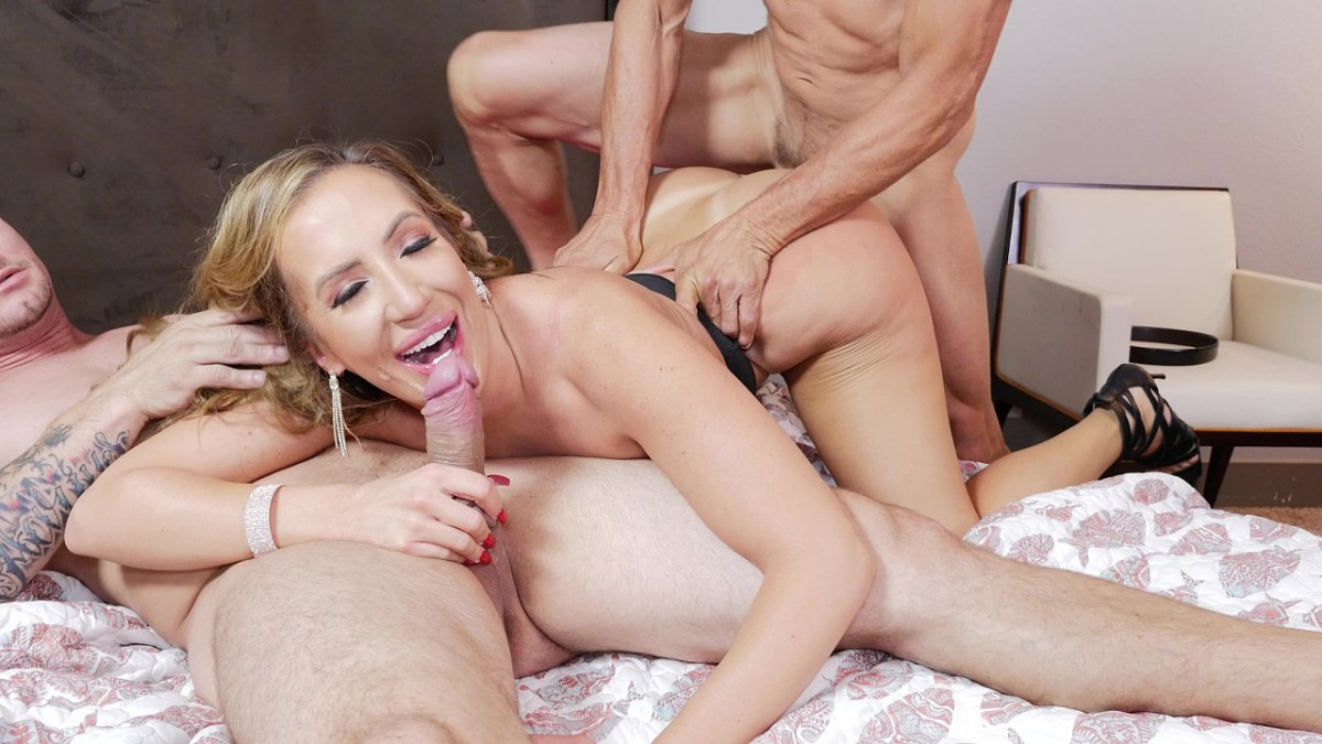 [Bang! Originals] Milf Richelle Ryan Threesome By Hubby And Holiday Guest  4K UltraHD (2160p)