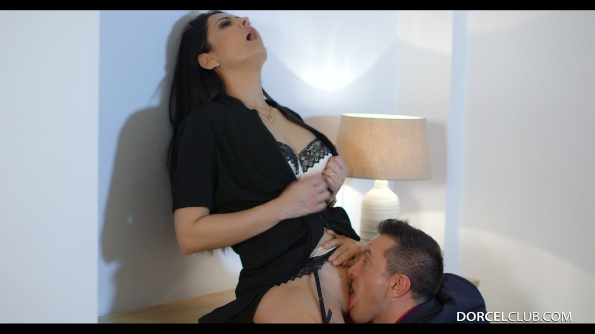 [Dorcel Club]  40 years old, My Wife With no Panties  4K UltraHD (2160p)