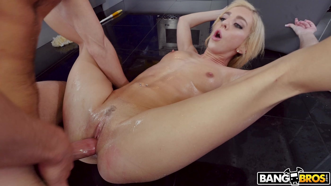 Bang Bros 18 Tiffany Squirts på hendes Trin Brothers Cock 4K-5743