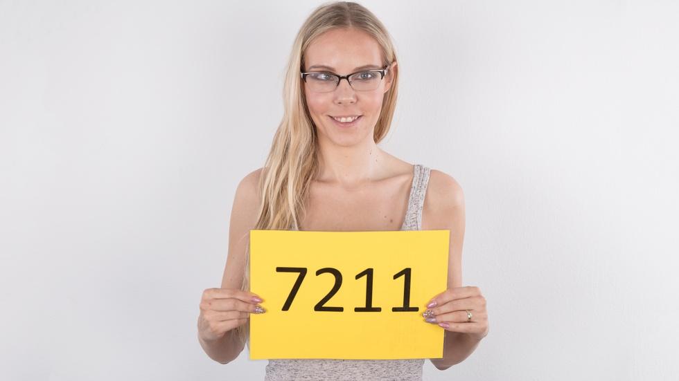 Czech Casting - Florana (28) - Florana - 4K UltraHD 2160p